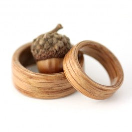 Two lovers and an Acorn - Oak wood ring set