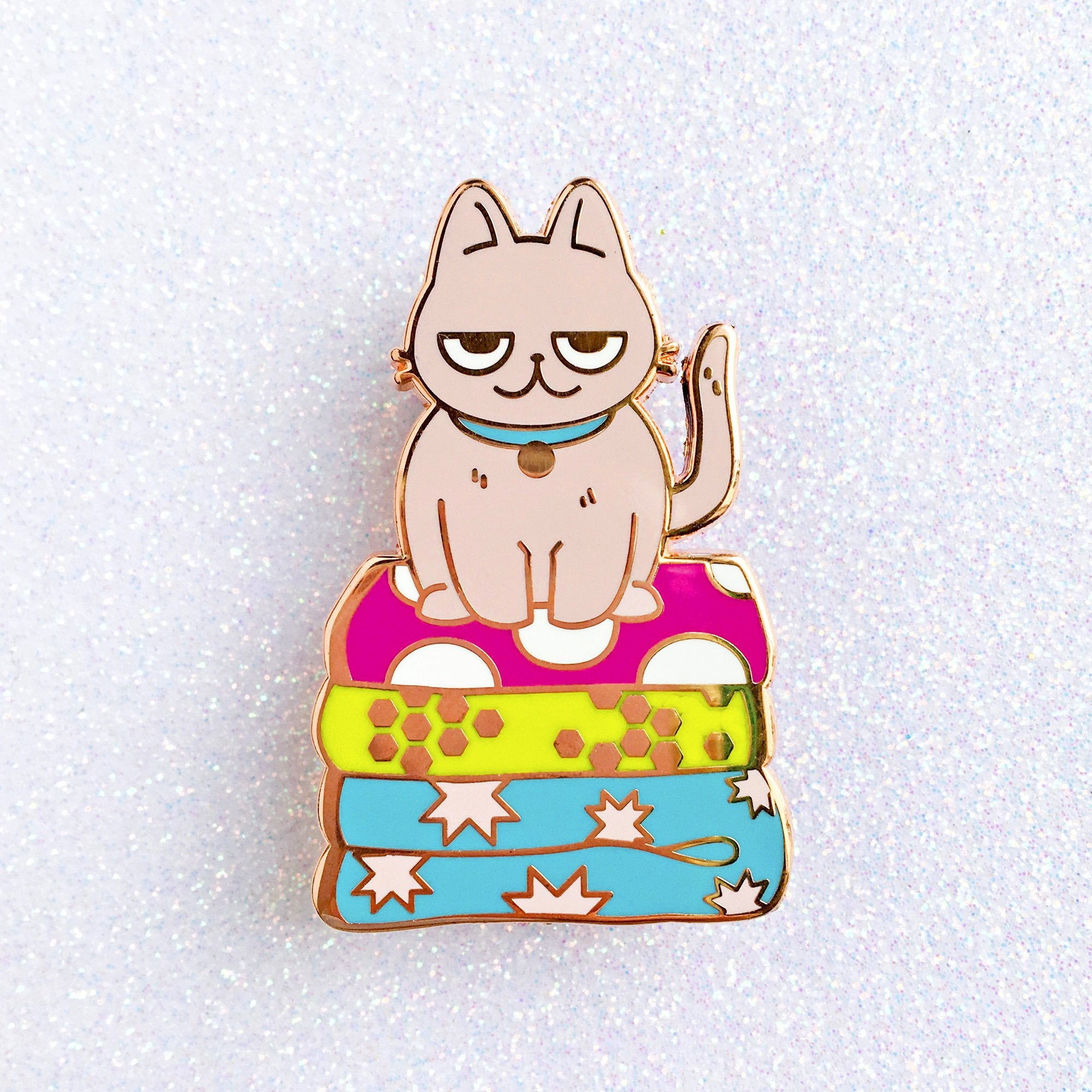 Quilts Are For Sits Cat Pin