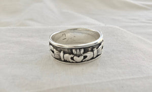Sterling Silver Men's Irish Celtic Claddagh Band