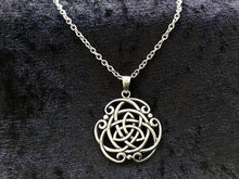 Handcast 925 Sterling Silver Celtic Triquetra Trinity Knot Pendant Necklace + Free Chain