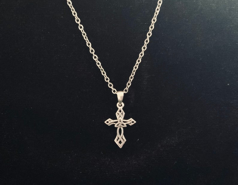 Handcast 925 Sterling Silver Celtic Triquetra Trinity Knot Cross Pendant Necklace + Free Chain