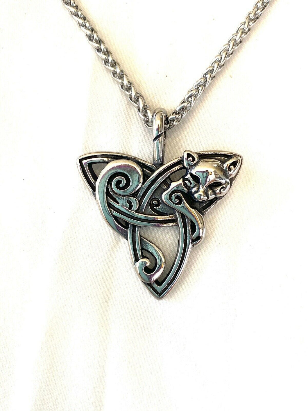 Large 316L Stainless Steel Irish Celtic Trinity Knot W/ Fox Pendant FREE Chain