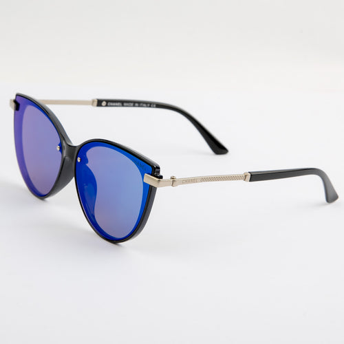Cerulean Beach Sunglasses With Protective Case