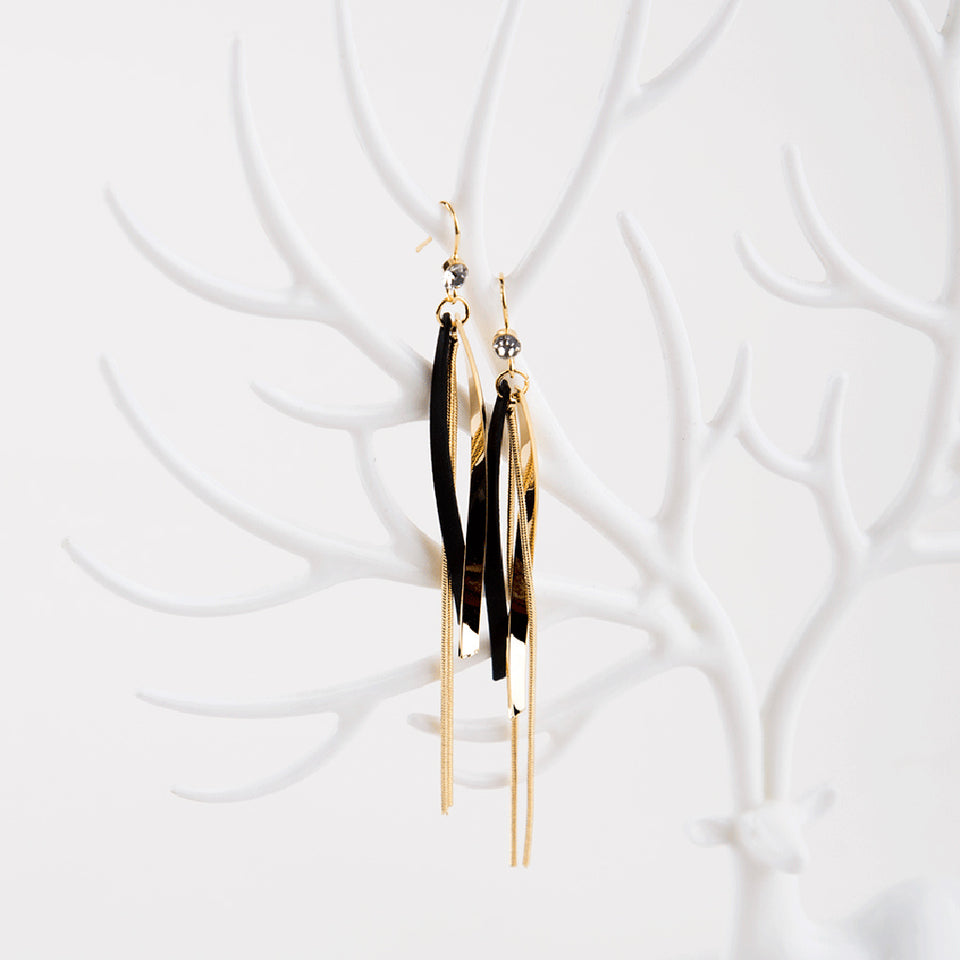 Brat Earrings in Black and Gold