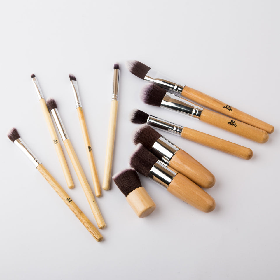Wooden Set of 11 Brushes