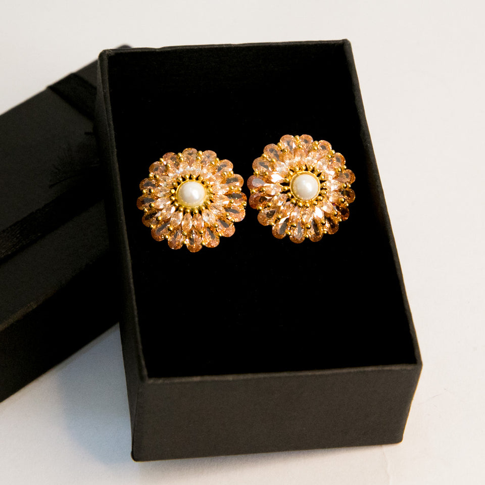 A Fluttering Stud Earrings (Code 0129)