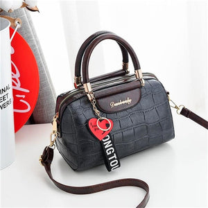 Luxury PU leather women's bags with heart pendant ornamets 🔥myalleshop