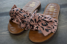 Load image into Gallery viewer, Pink Leopard Bow Sandals