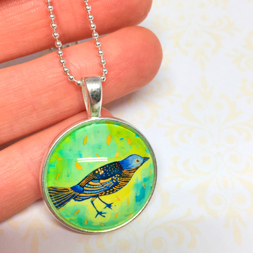 Birdie - Small Round Necklace