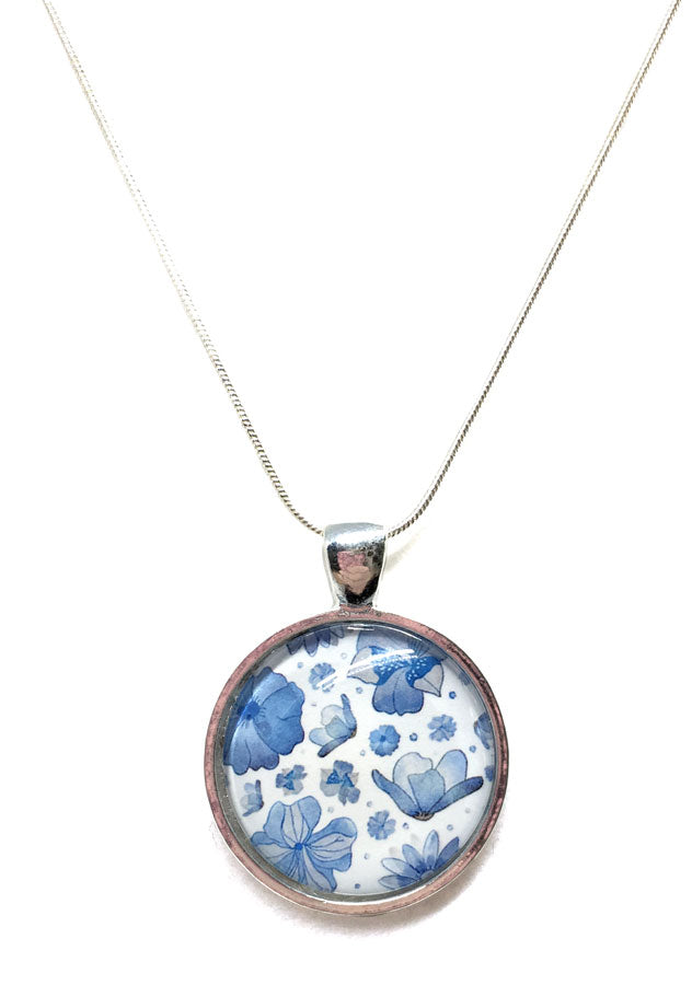"""Delft Flowers"" Small Round Necklace"