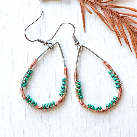 Dolphins' Play - Wire and Beads Earrings