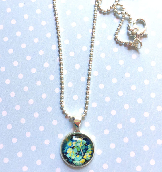 """Unusual Floral"" Mini Circle Necklace"