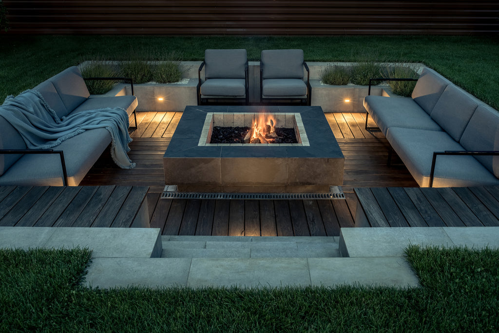 Things You Can Do To Make Your Outdoor Deck More Inviting