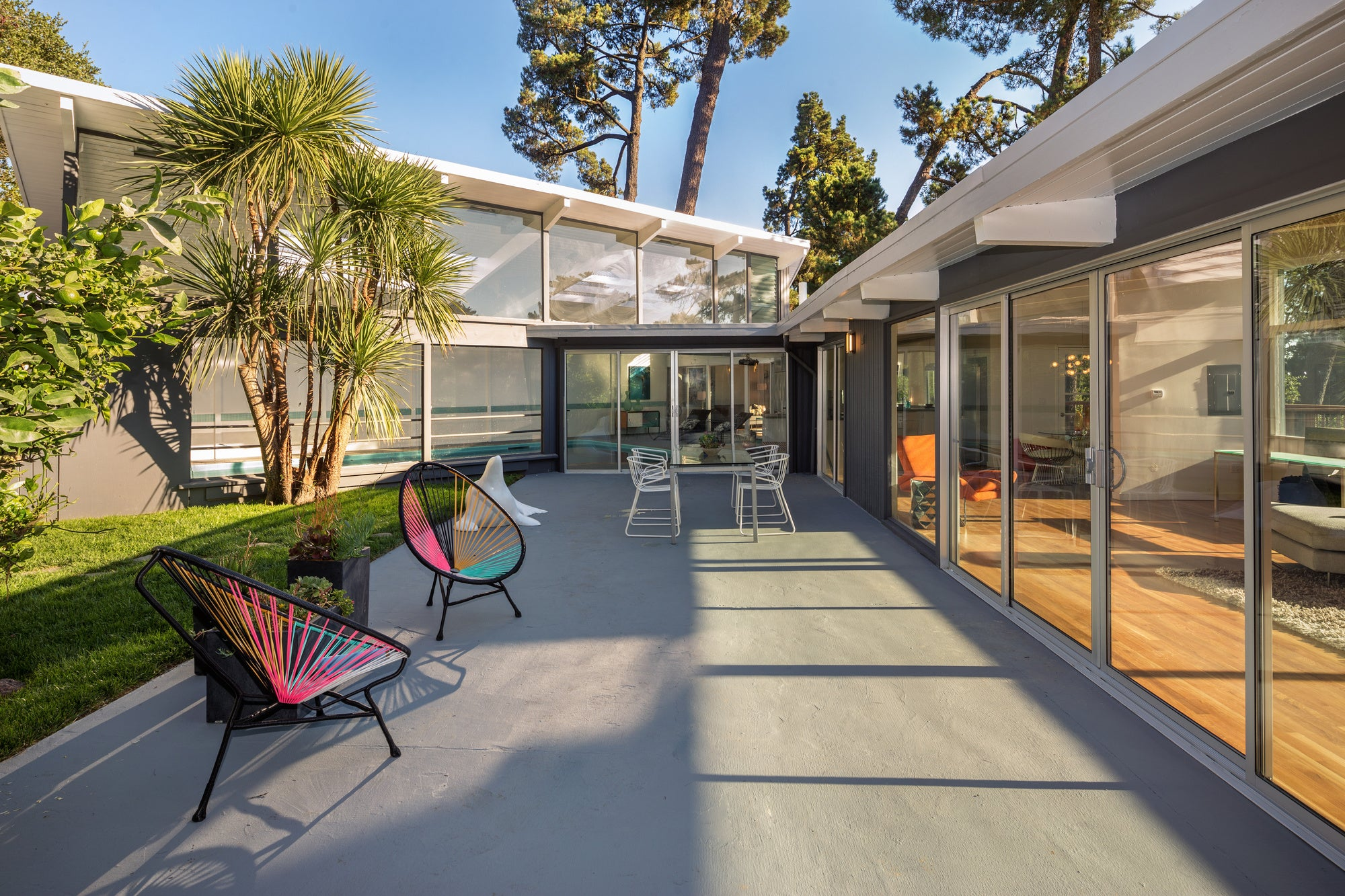 A complete guide to creating a mid century modern house interior