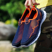 Load image into Gallery viewer, MAISMODA Summer Outdoor Shoes Men Women Lightweight Breathable Mesh Creek Beach Quick Dry Wading Upstream Fishing Net Water Shoe