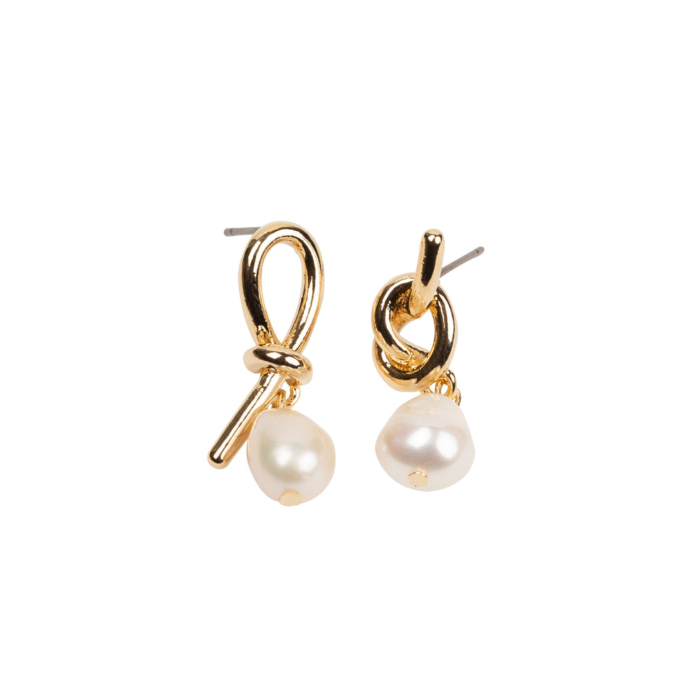 THE PEARL KNOT EARRING