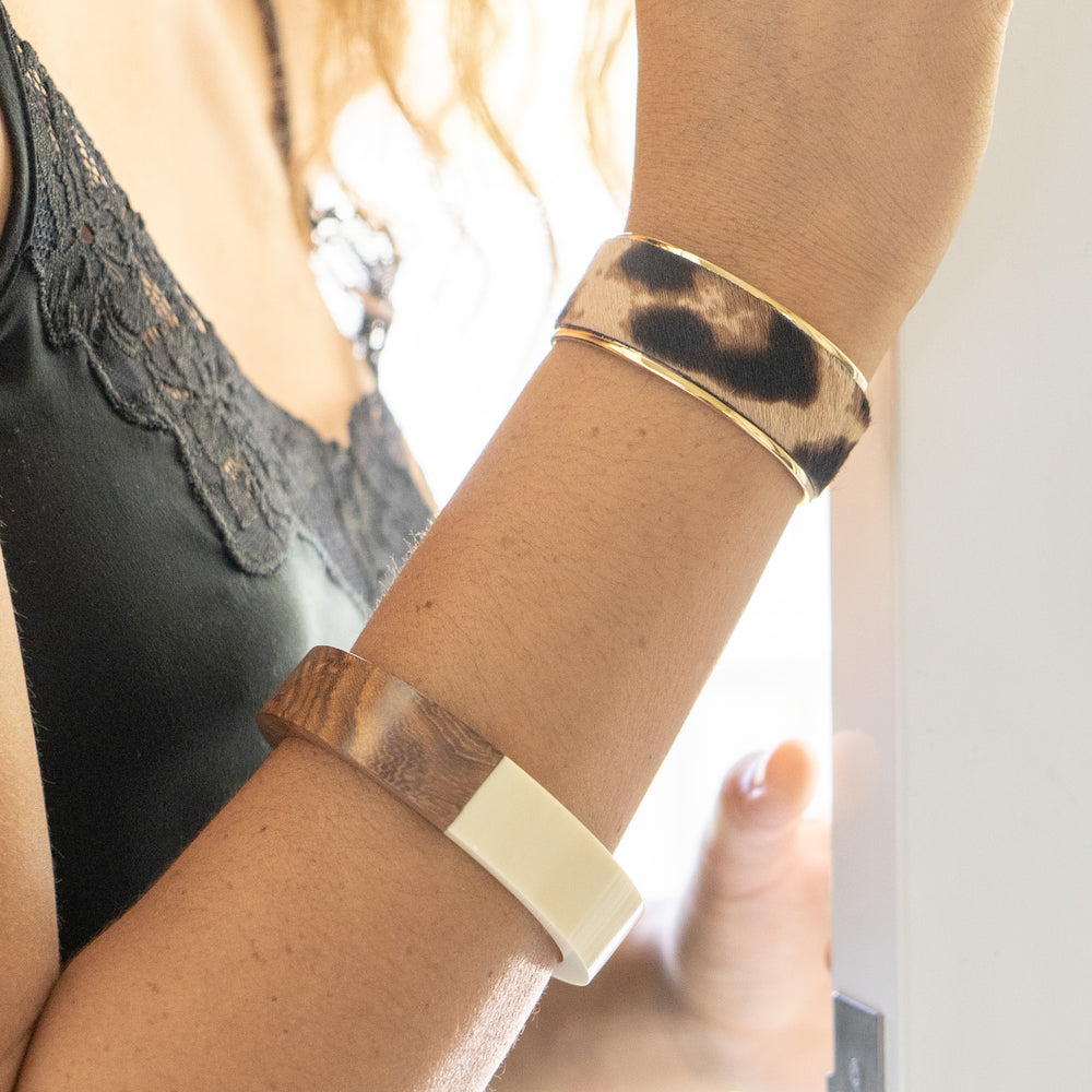 THE WOOD RESIN BANGLE