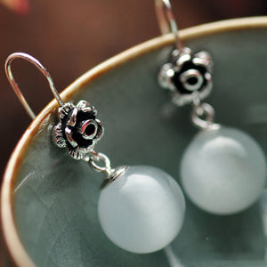 Sterling Silver Earrings In Red Garnet Or White Opal In A  Beautiful Retro Rose Flower Carved - Gem & Etc