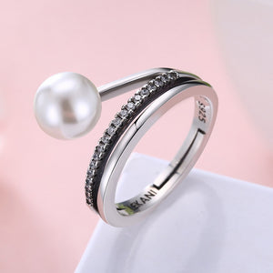 Ring in Sterling Silver Pearl with zircon side stones - Gem & Etc
