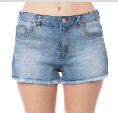 BT-W {Daytime Fun} Light Denim Shorts with Fringed Hem