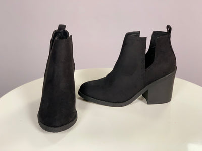 SHOES {SODA} Black Side Cut Stacked Block Heel Booties