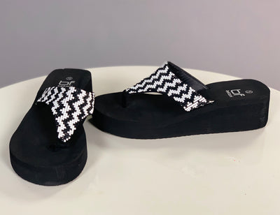 SHOES {Betani} Black/White