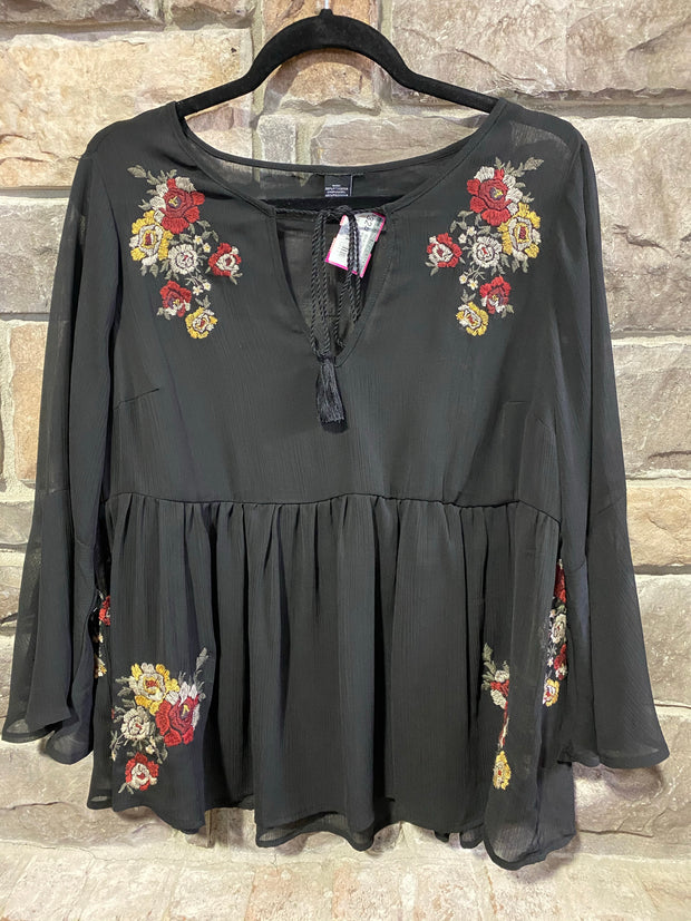 SD-A {You Don't Send Me Flowers}Sheer Black W/ Embroidery Detail