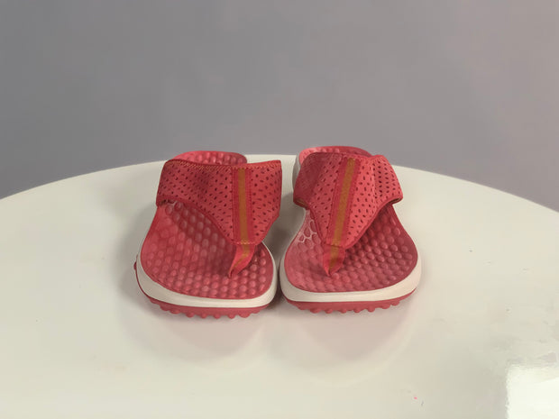 SHOES {Clarks Privo} Red Suede Felt Flip Flops (COMFORTABLE)