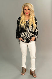 "PQ-P ""Breathtaking Look"" Black & Ivory Floral V-Neck Top"