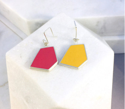Reversible - Silver & Resin earrings - Red and yellow