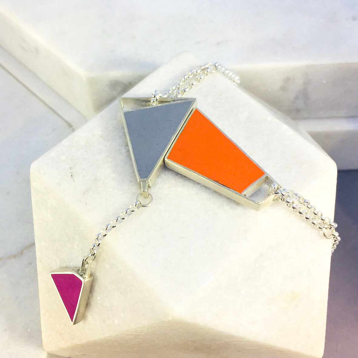 Magnetic - Reversible Necklace - 24 combinations - orange, grey, blue, green with green/pink drop