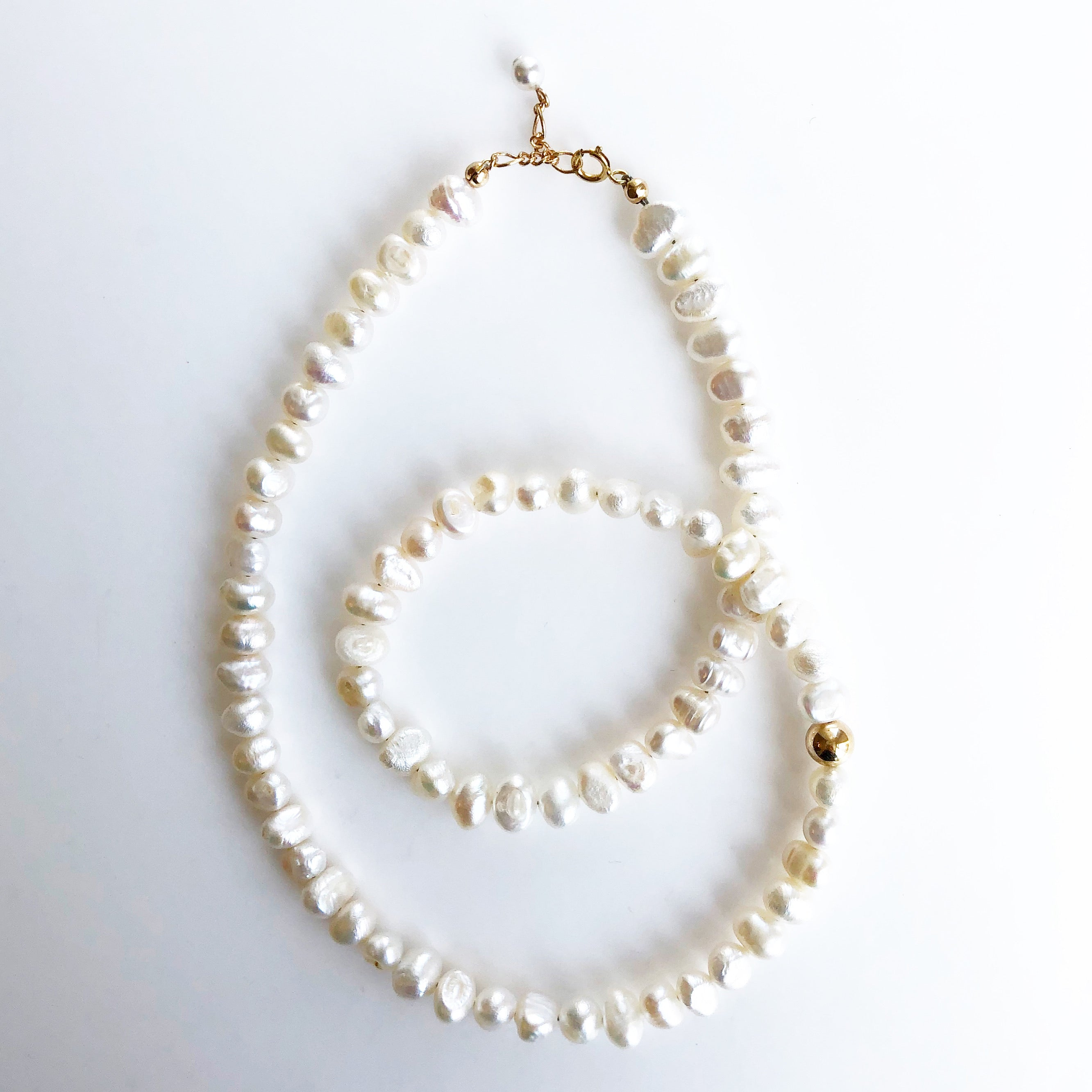 GINA WHITE PEARL NECKLACE
