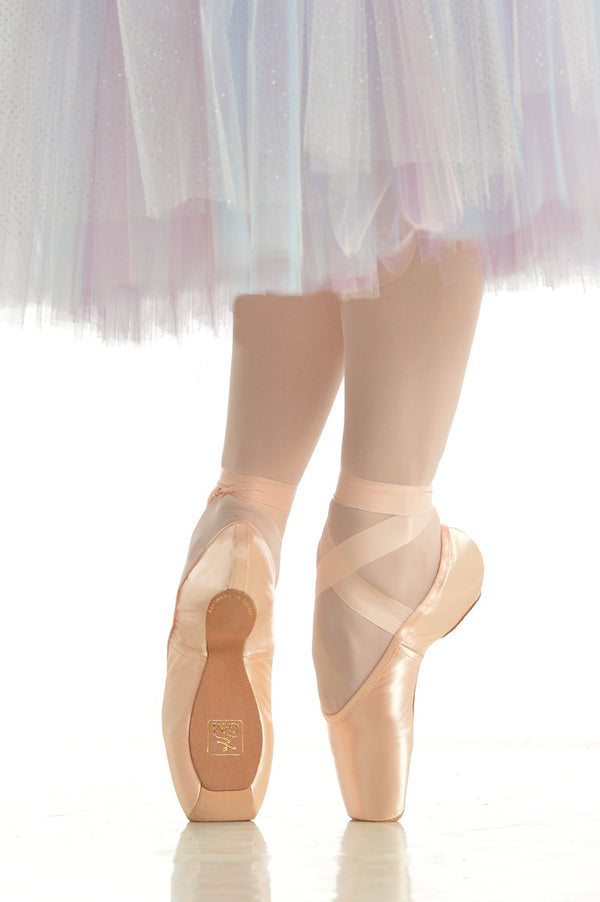 Gaynor Minden pointe shoes from Ma Cherie Dancewar Australia