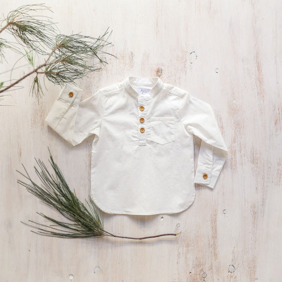 Piper & Me white johnny shirt for boys with wood look buttons
