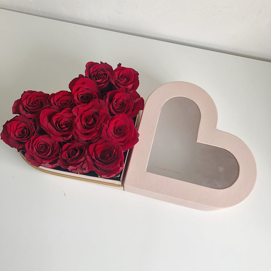 Roses in Pink Box (Kenya Rose)