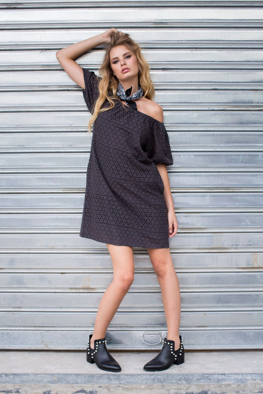 Donta black dress