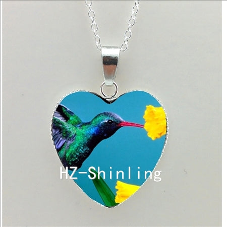 Lovely Heart-Shaped Hummingbird Art Pendant Necklace