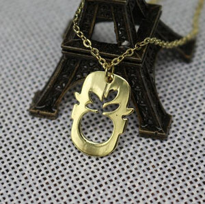 Magritte necklace