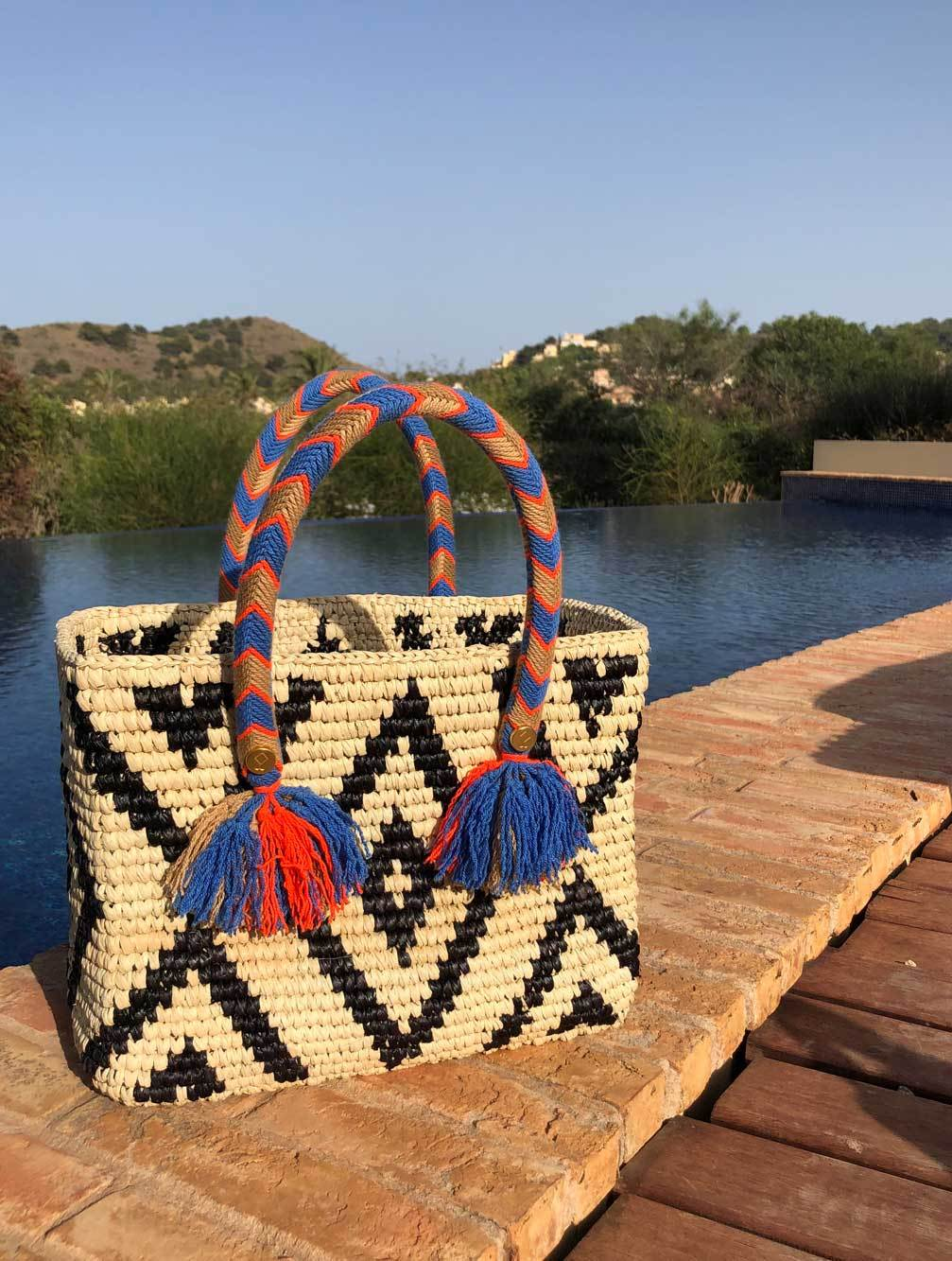 YOSUZI-Amaris-bag-model-woven-luxury-beachwear-resortwear-uk-kaia-london-1
