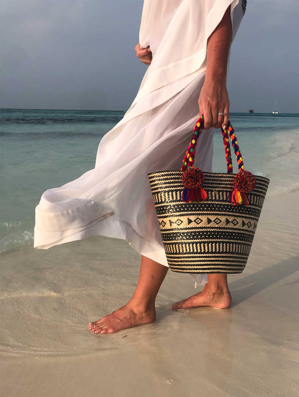 YOSUZI-Rosa-bag-front-woven-luxury-beachwear-resortwear-uk-kaia-london-1