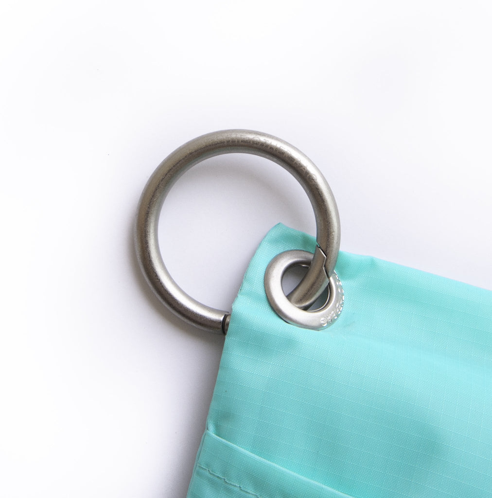 Clip ring attached to recycled foldable tote bag