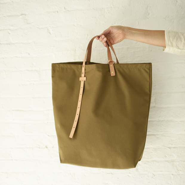 The Everyday Tote in Acorn