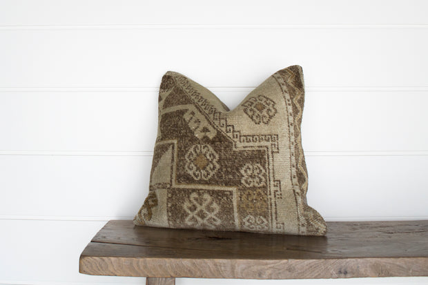 VINTAGE TURKISH RUG PILLOW