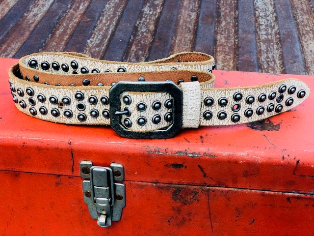 Vintage Inspired Leather Belt with Metal Rivers and Cool Buckle!