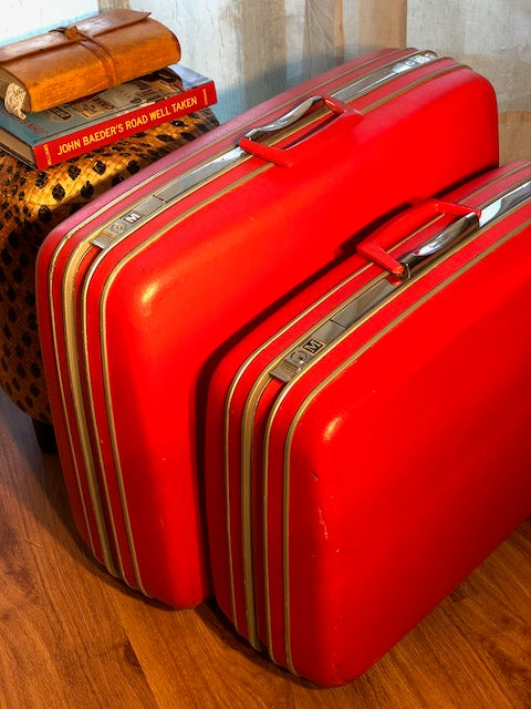 Beautiful True Vintage Samsonite Luggage Set!