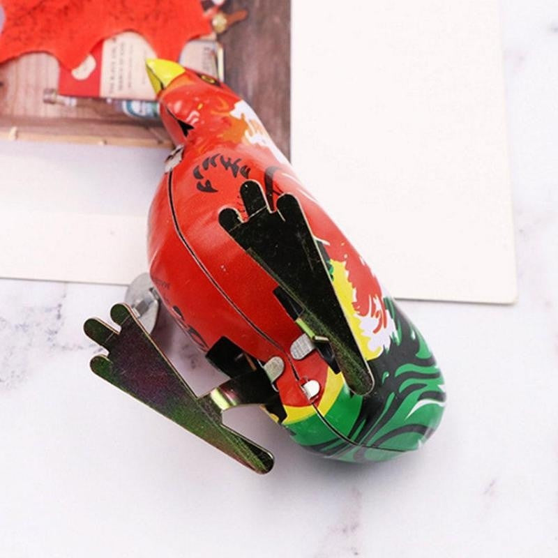 Retro Classic Metal Wind Up Rooster Toy