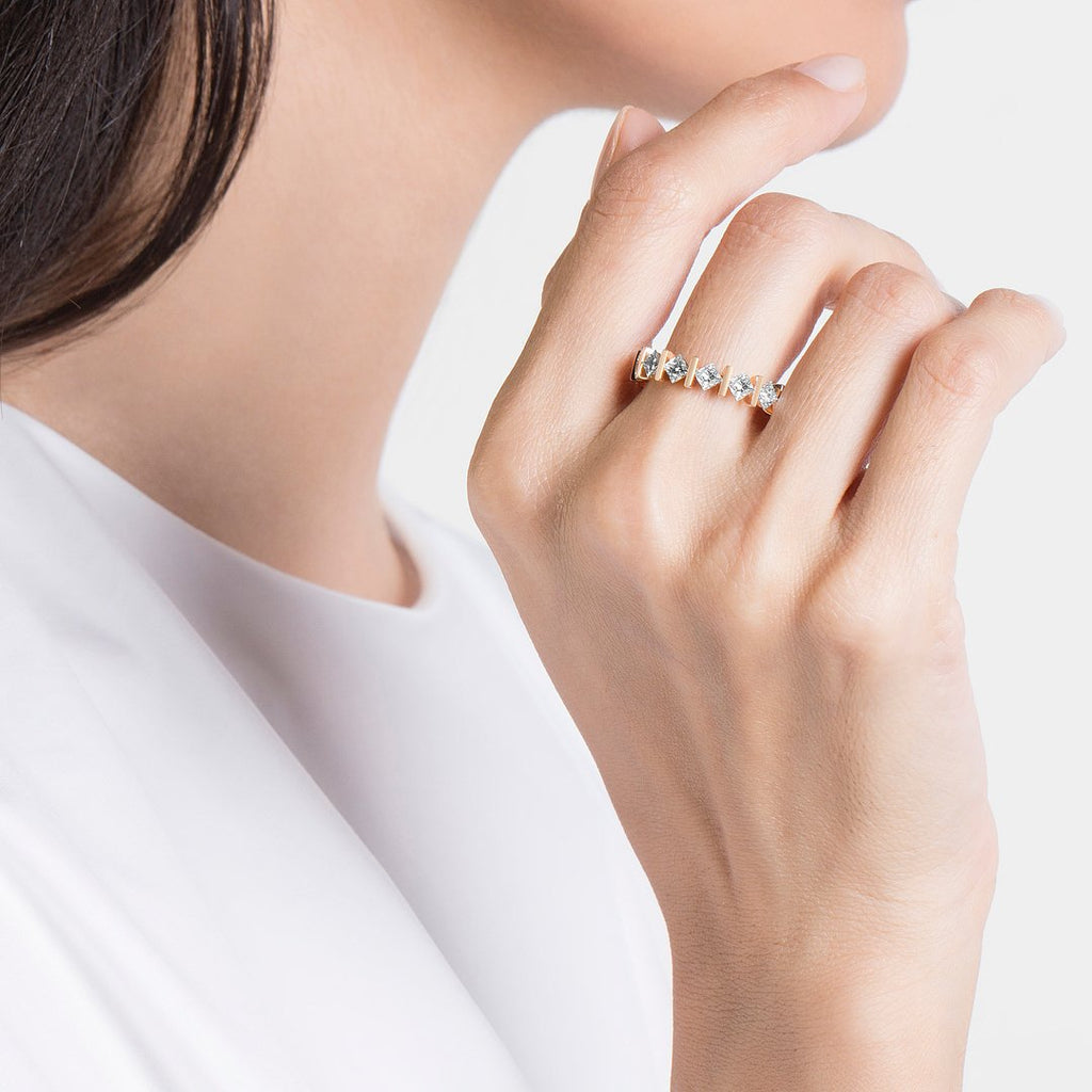MONOLITH PRINCESS DIAMOND RING - Shamsa Alabbar