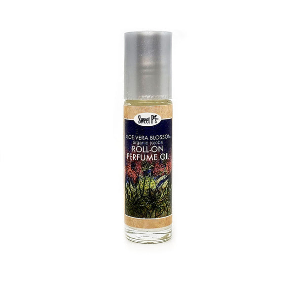 Organic jojoba oil blended with Aloe Vera blossom essential oil. No sulfates, parabens and SLS Cruelty free, never tested on animals Made in Tucson, AZ