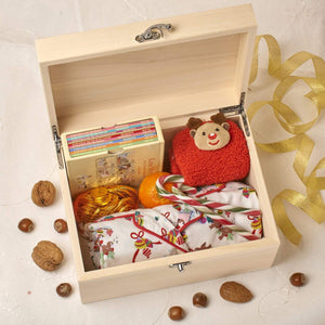 Christmas Eve Box - Wooden Personalised Christmas Eve Box - Reindeer
