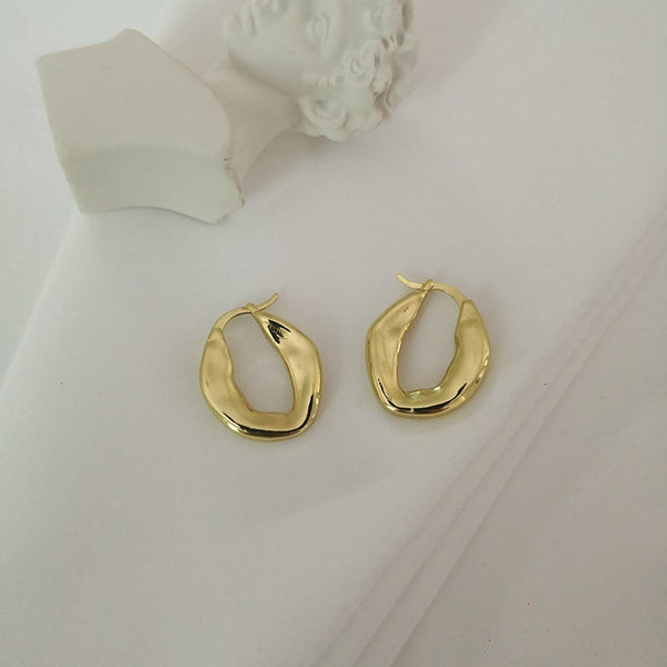 Lillian Irregular Shaped Earrings In Gold